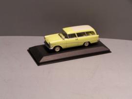 Opel Rekord P1 caravan geel