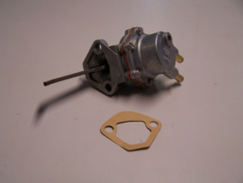 Benzinepomp Renault  R19 1.4  OHC  (75kw)