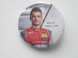 Button Nico Müller