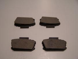 Remblokken Nissan Bluebird / Laurel /Violet