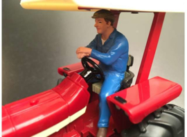 ERIK DRIVING TRACTOR