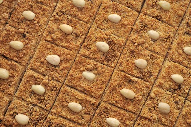 Kruimelkoekjes met kruisbessen-amarettojam