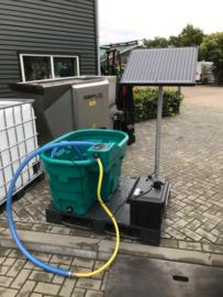Solar drinkbak 400 liter, 50 Watt, 105 Ah, 3000 GPH