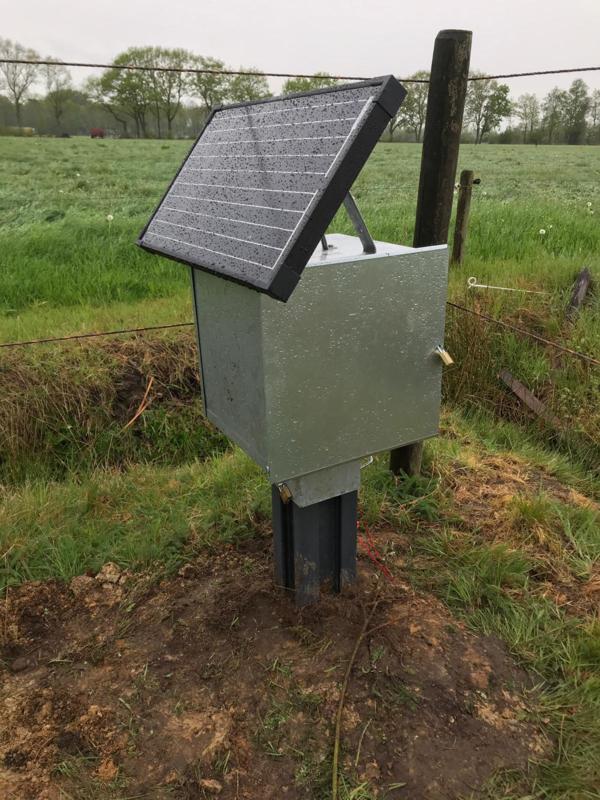 Antidiefstal kast Solarfence, inclusief kunststof paal