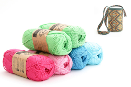 Apple Green, Shocking Pink, Tulip, Vivid Blue en Cyan 'Driehoek'