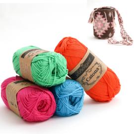 Shocking Pink, Apple Green, Vivid Blue en Royal Orange 'Aztek klein'