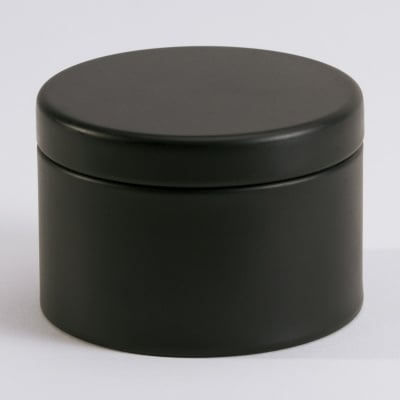 Zwart blikken doosje