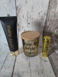 Handcrème, geur waxinekaars en lippenbalsem met naam