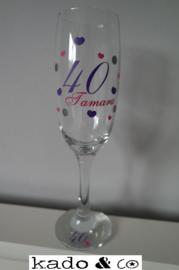 champagneglas met naam, leeftijd, decoratie