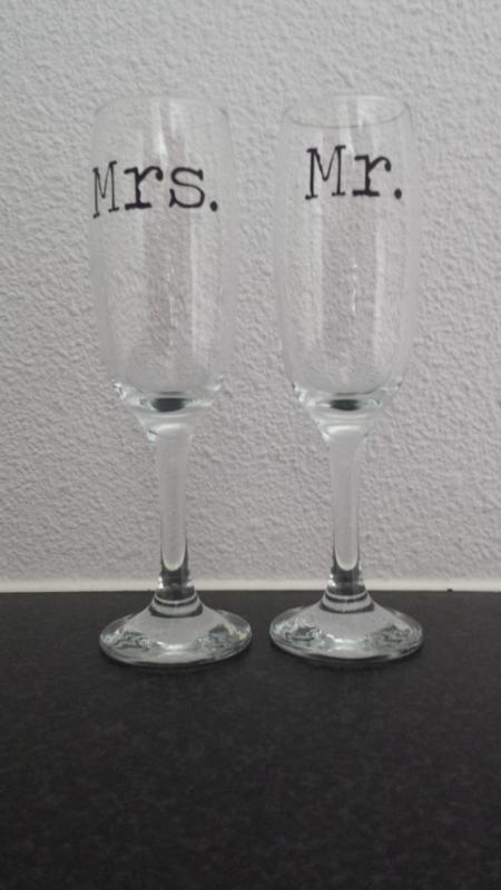 Champagneglazen Mr. en Mrs.