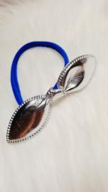 Nylon haarbandje. Konijnen-oortjes kobalt blauw en zilver.