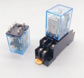 24v DC gelijkspanning relais met voet.