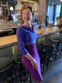 Diva, aansluitende kleurrijke jurk