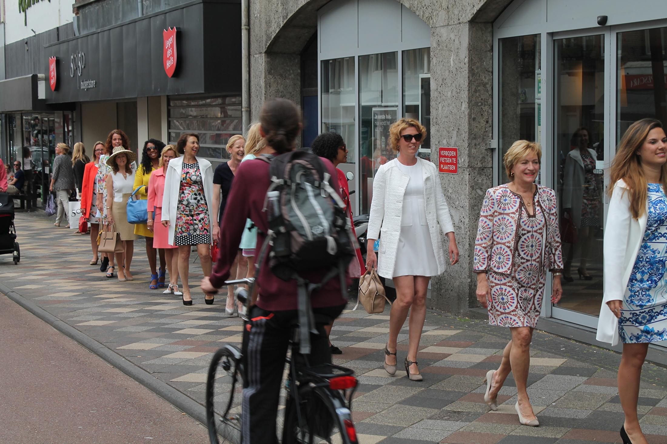 Modeshow op de Middenweg