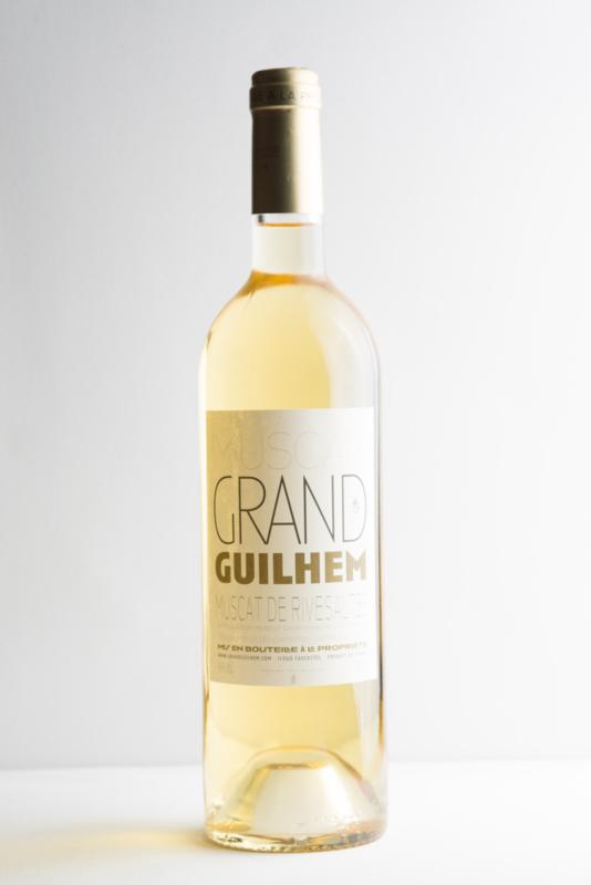 Domaine Grand Guilhem Muscat de Rivesaltes A.O.C., Vin Doux Naturel, Côtes de Roussillon Frankrijk. Biodynamische wijn.