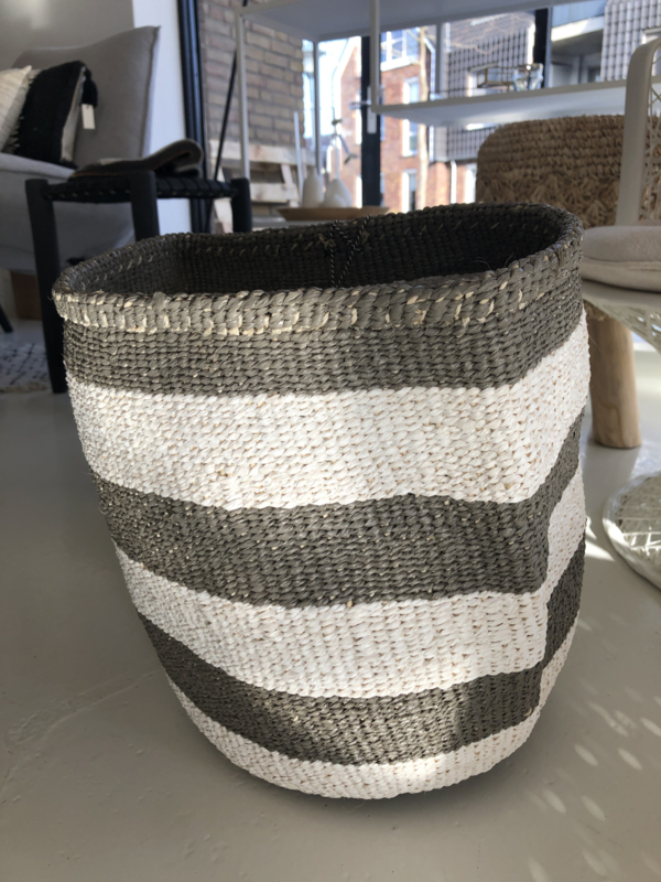 Basket grey wit medium