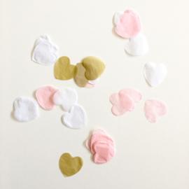 Confetti: hartjes, goud, roze en wit