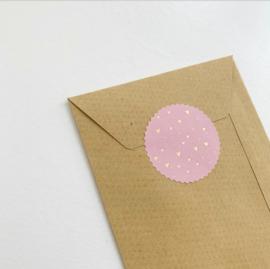 Sluitsticker: roze met gouden hartjes folie