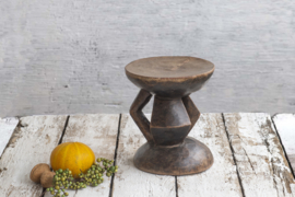Tonga stool medium
