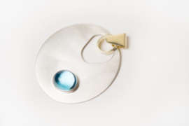 Zilveren hanger met blauwe topaas