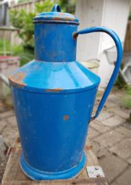 Brocante emaille  waterkan blauw