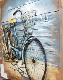 Fiets op houten achterwand