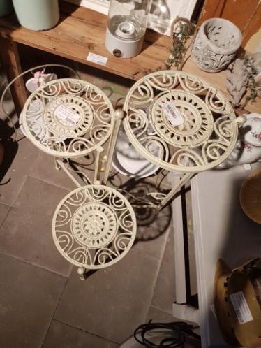 Driedelig tafel roestwit