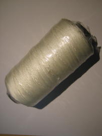 Naaigaren voor naaipriem