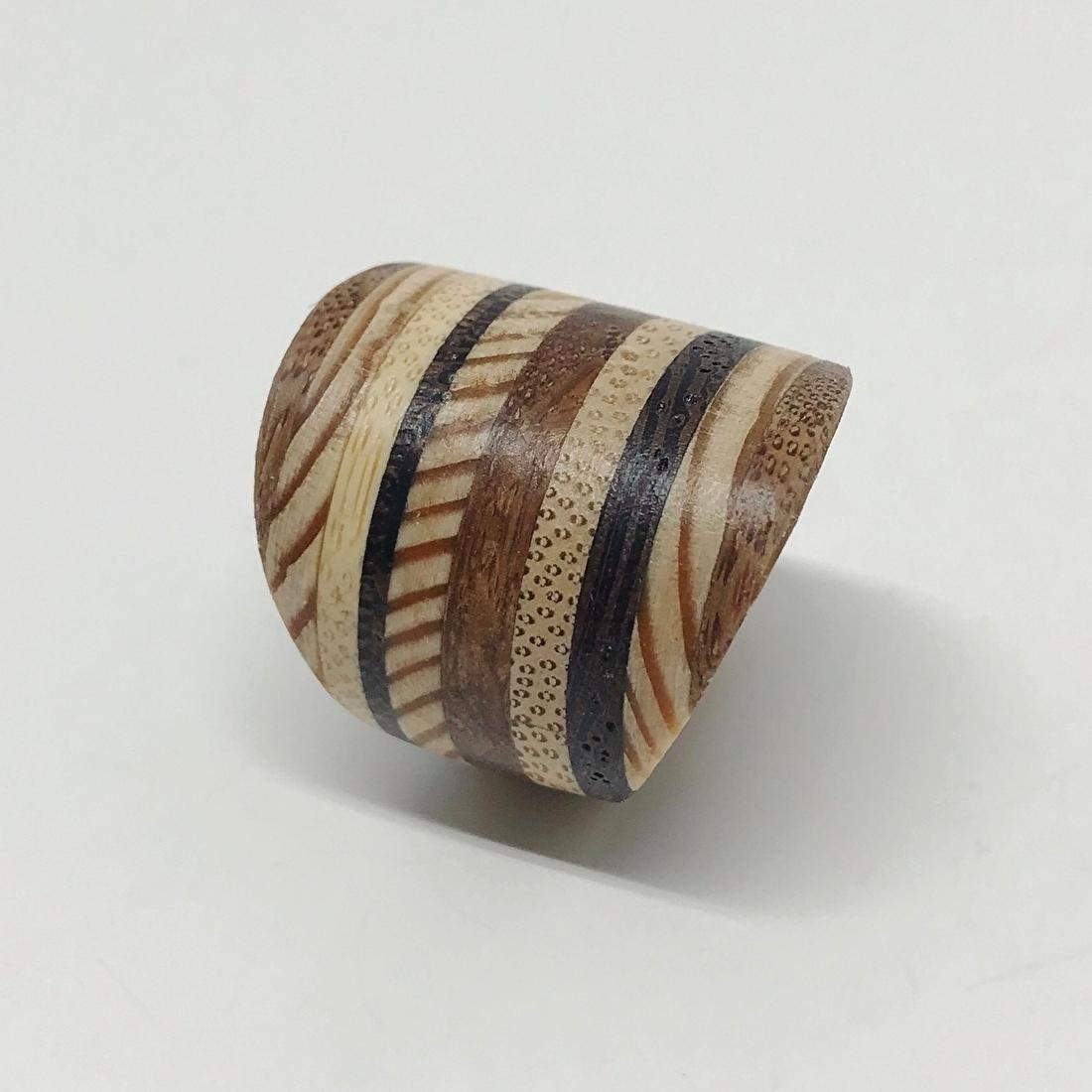 brede houten ring studio mooibos