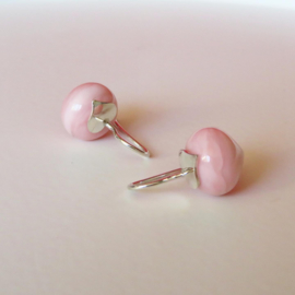 Roze opaal oorhangers met zilveren hart