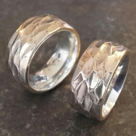 Brede bronzen ringen met zilveren binnenring