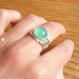 Zilveren ring met rozen en chrysopraas