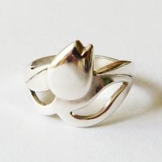 Zilveren tulp ring