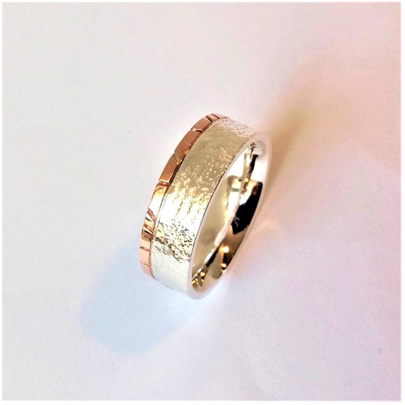 Zilveren kantpatroon ringen met roodgouden band