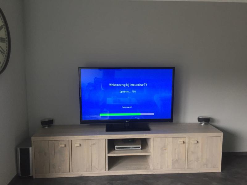 Steigerhouten TV/audio meubel in white- of greywash Pip