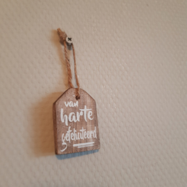 Houten label van harte gefeliciteerd || 4 x 5.7 cm
