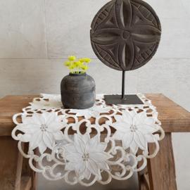 Tafelloper || crème bloem || ovaal 69 x 32 cm