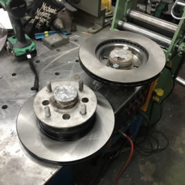 Hakosoku Skyline brakedisc machining