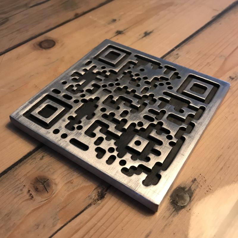 Een QR code frezen