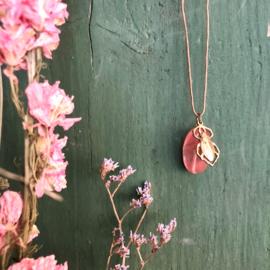 Ketting Happy Beetle Pink