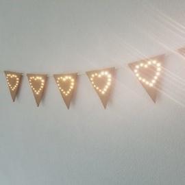 Vlaggenlijn Lovely Light Vilt Caramel