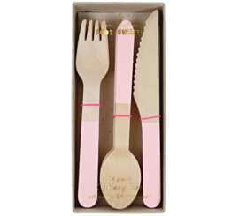 Wooden cutlery pink