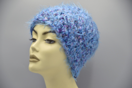 Beanie in blauw-paars-lila-nuances: stoere pluismuts