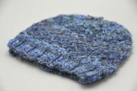Beanie in blauwnuances - beetje stoere muts