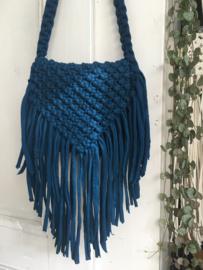 N O A deep blue