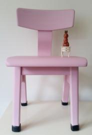 Houten schoolstoeltje, roze