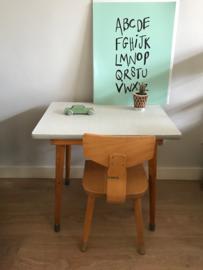 Vintage tafeltje en stoeltje (set)