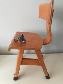 Vintage schoolstoeltje, nr 2 , Rolf