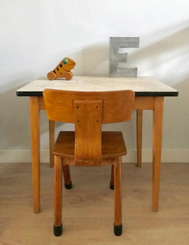 Vintage schoolset, tafeltje en stoeltje