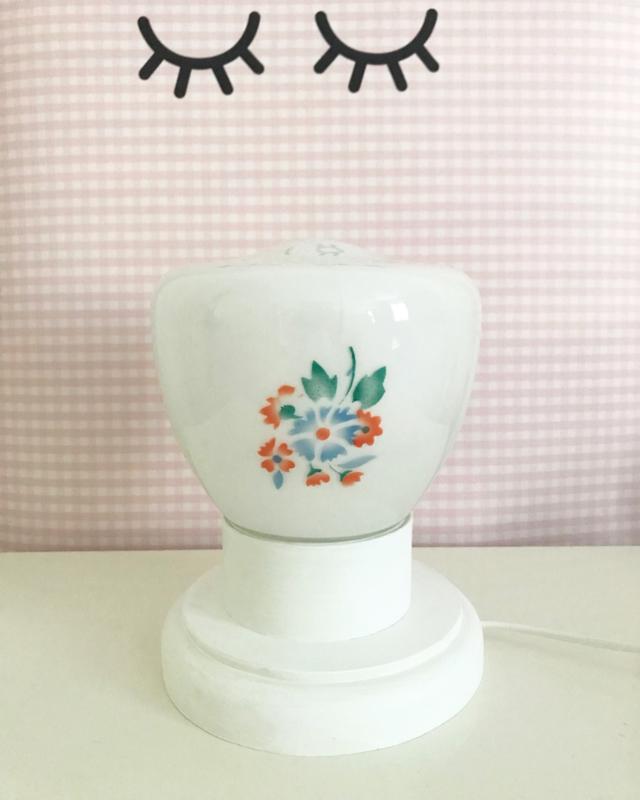 Vintage lampje, bloemen